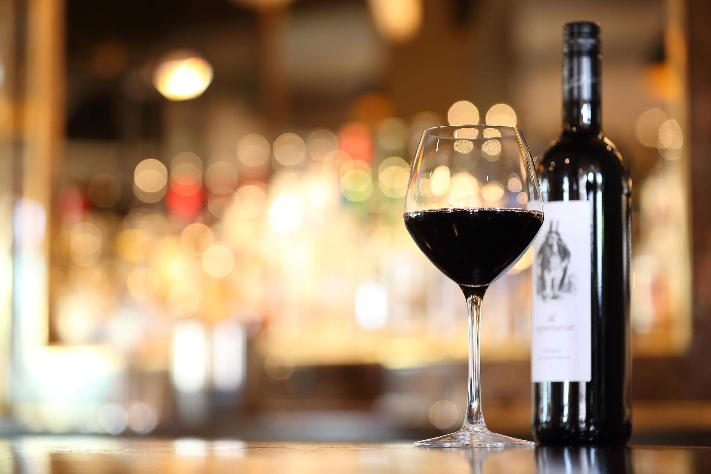 vinho-previne-perda-auditiva