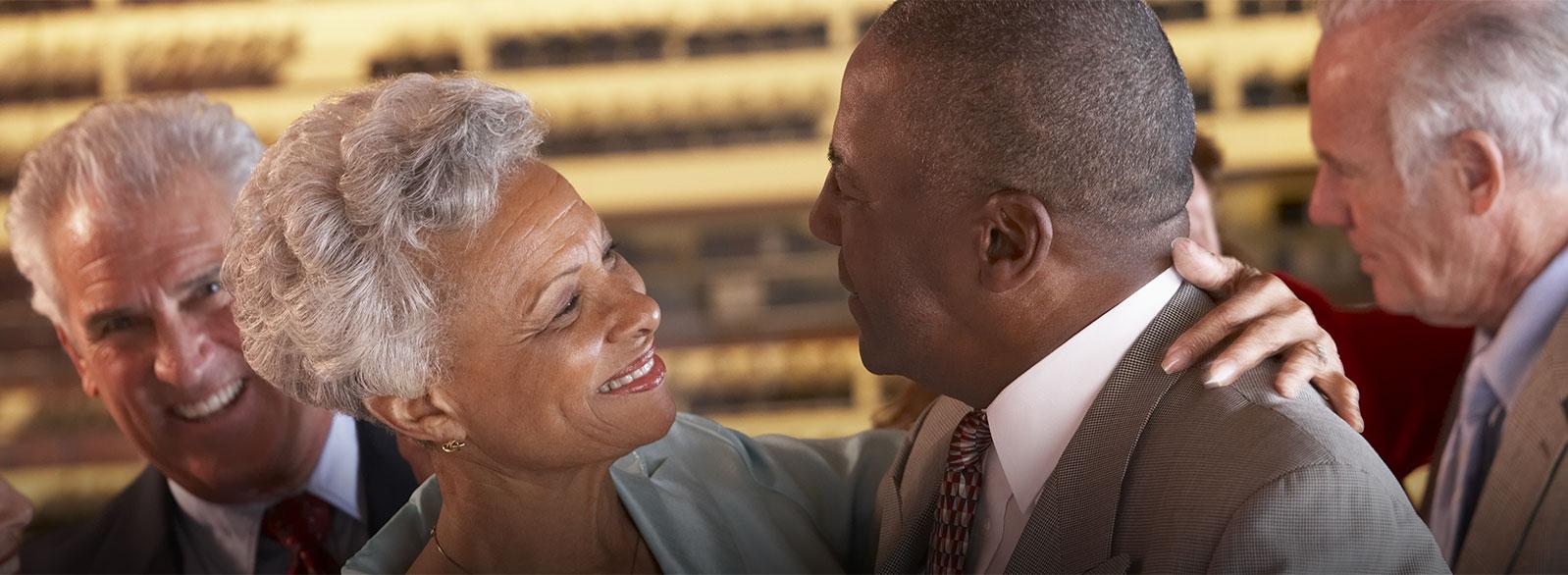 Em eventos ou situações nas quais você se encontra com outras pessoas, você ouve bem as conversas?