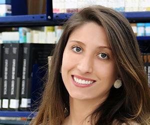 Katia Gonçalves - Egressa