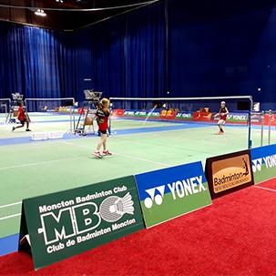 Docente acompanha atletas em competição de Badminton no Canadá