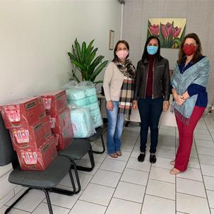 Unidavi doa materiais e alimentos