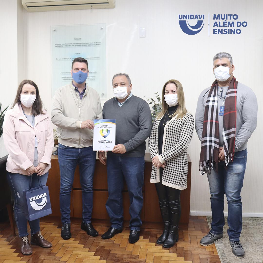 Unidavi recebe certificado de Empresa Amiga do Trabalhador