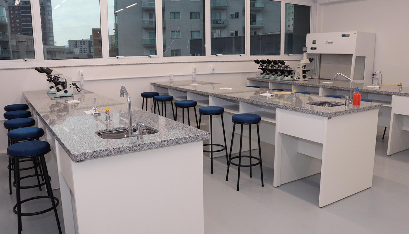 Foto2 da Estrutura - Laboratório de Farmacologia e Bioquímica