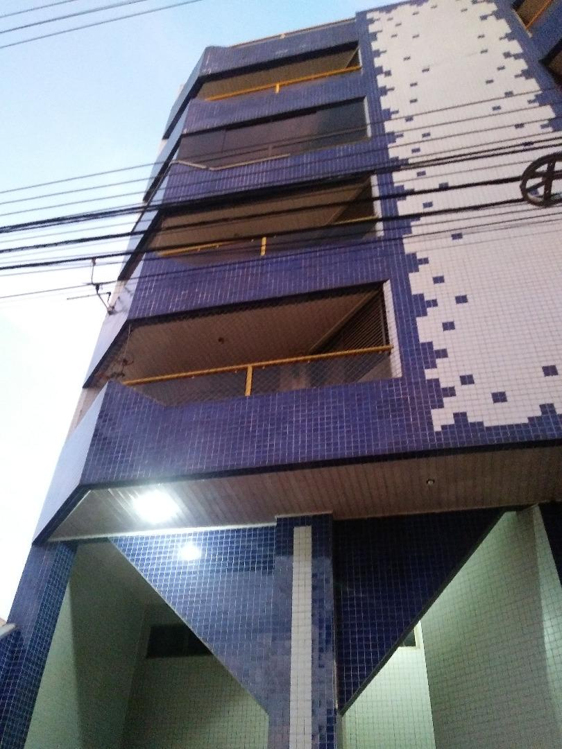 https://s3-sa-east-1.amazonaws.com/static-arbo/AP0051_MMZ/apartamentoavendacentrocascavelpr_1603289740826.jpg