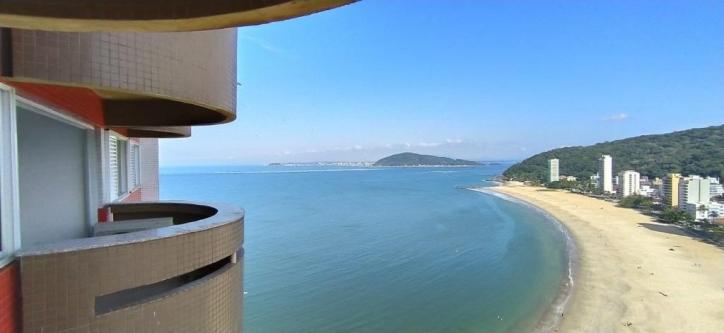 https://s3-sa-east-1.amazonaws.com/static-arbo/AP0057_STUTZ/lindo-apartamento-duplo-com-vista-para-o-mar-dormitorios-praia-mansa1606503603289sfydk.jpg