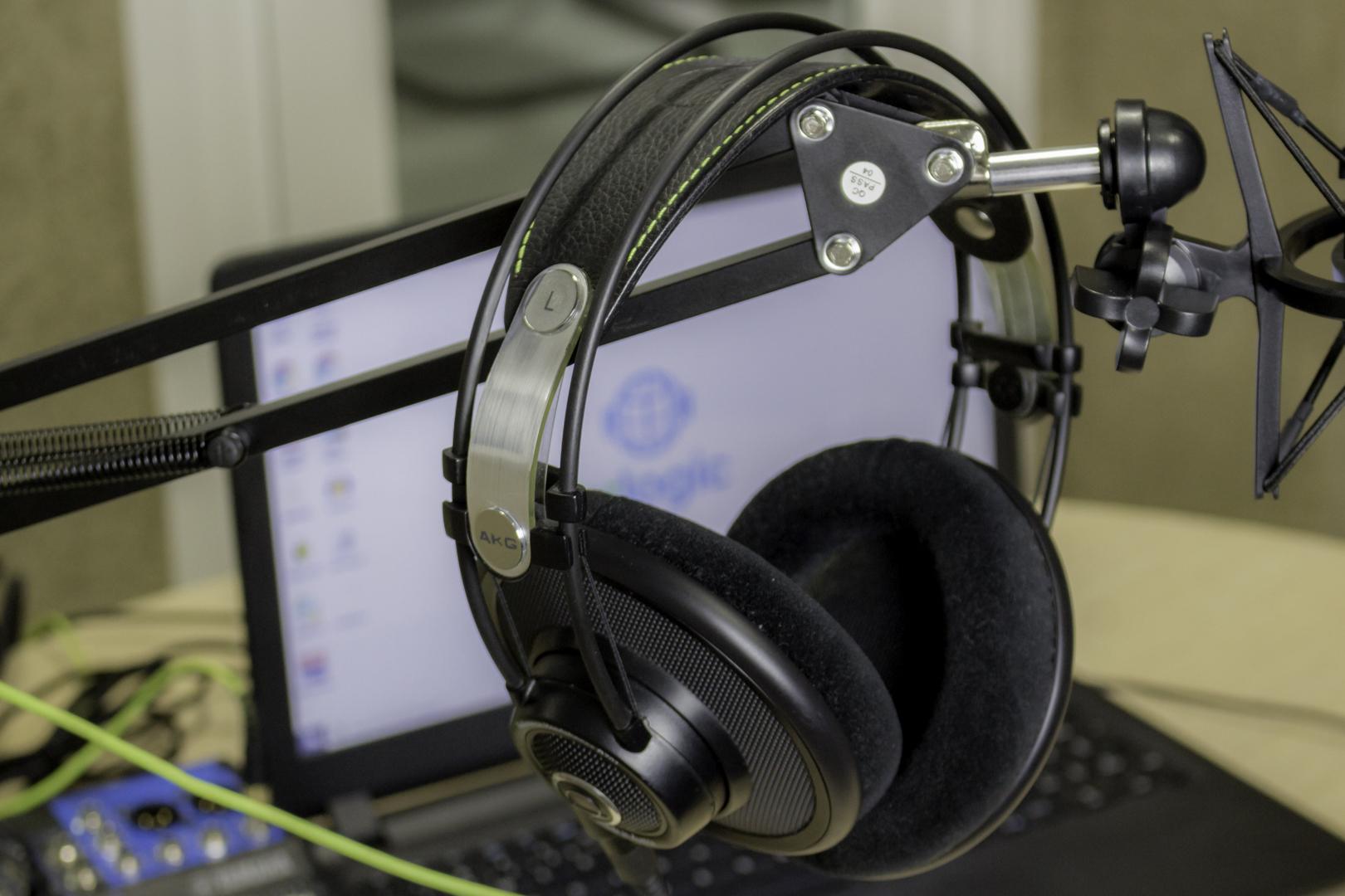 Os melhores fones de ouvidos para estúdios de rádios