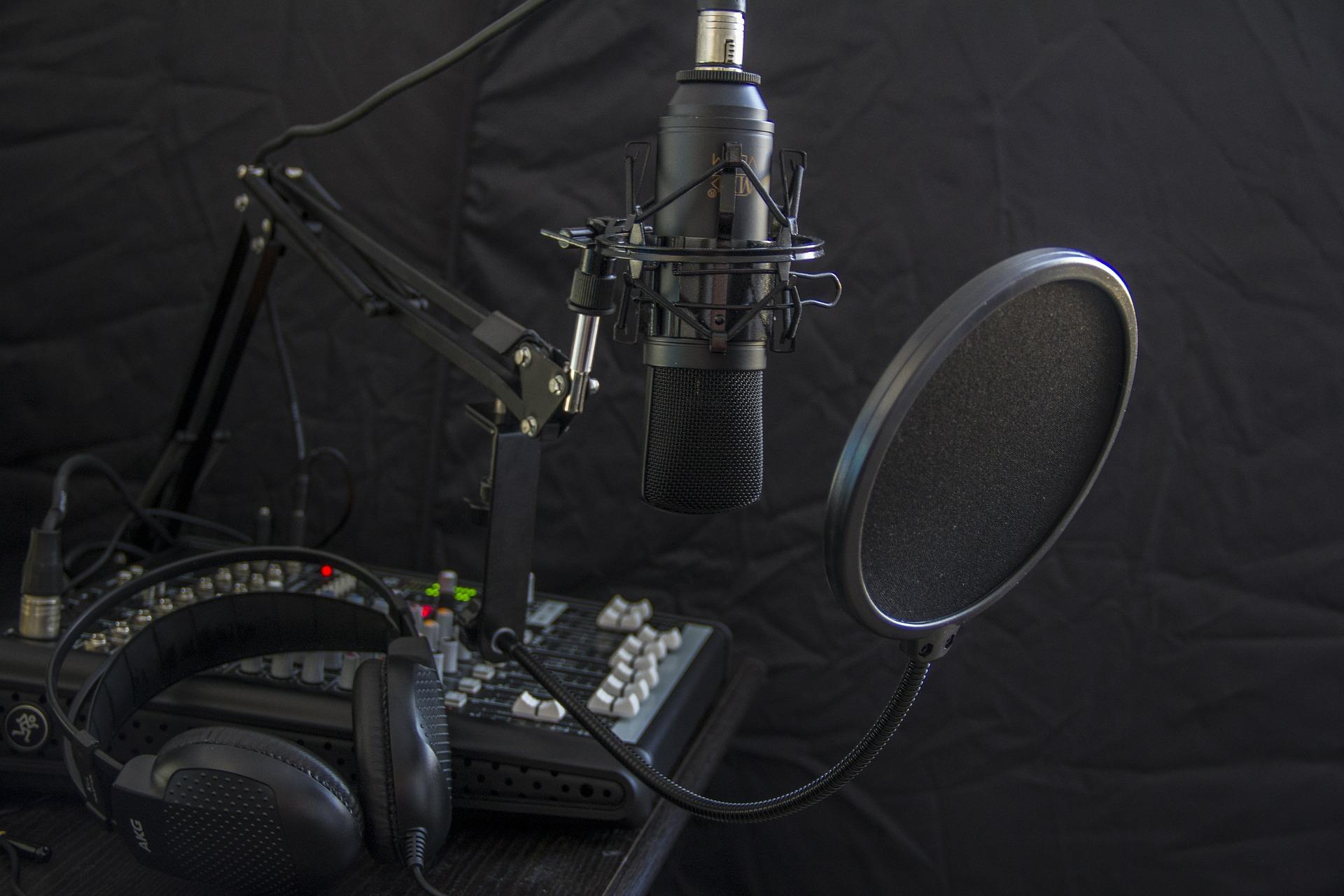 Dicas para criação de uma web rádio com baixo custo
