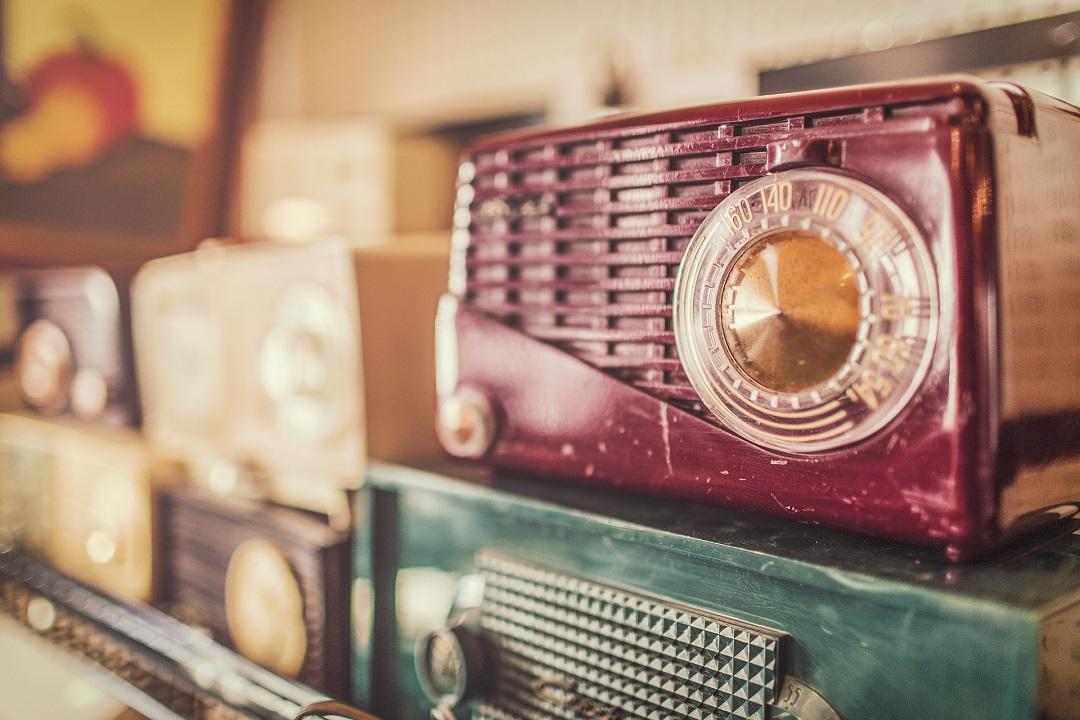 Conheça a história do rádio no Brasil e no mundo