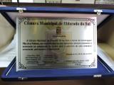 Placa entregue a Fundação O Pão dos Pobres pelos seus relevantes serviços prestados a comunidade eldoradense.