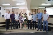 Legislativo entrega Moção Honrosa à Associação da Terceira Idade Cantinho Amigo