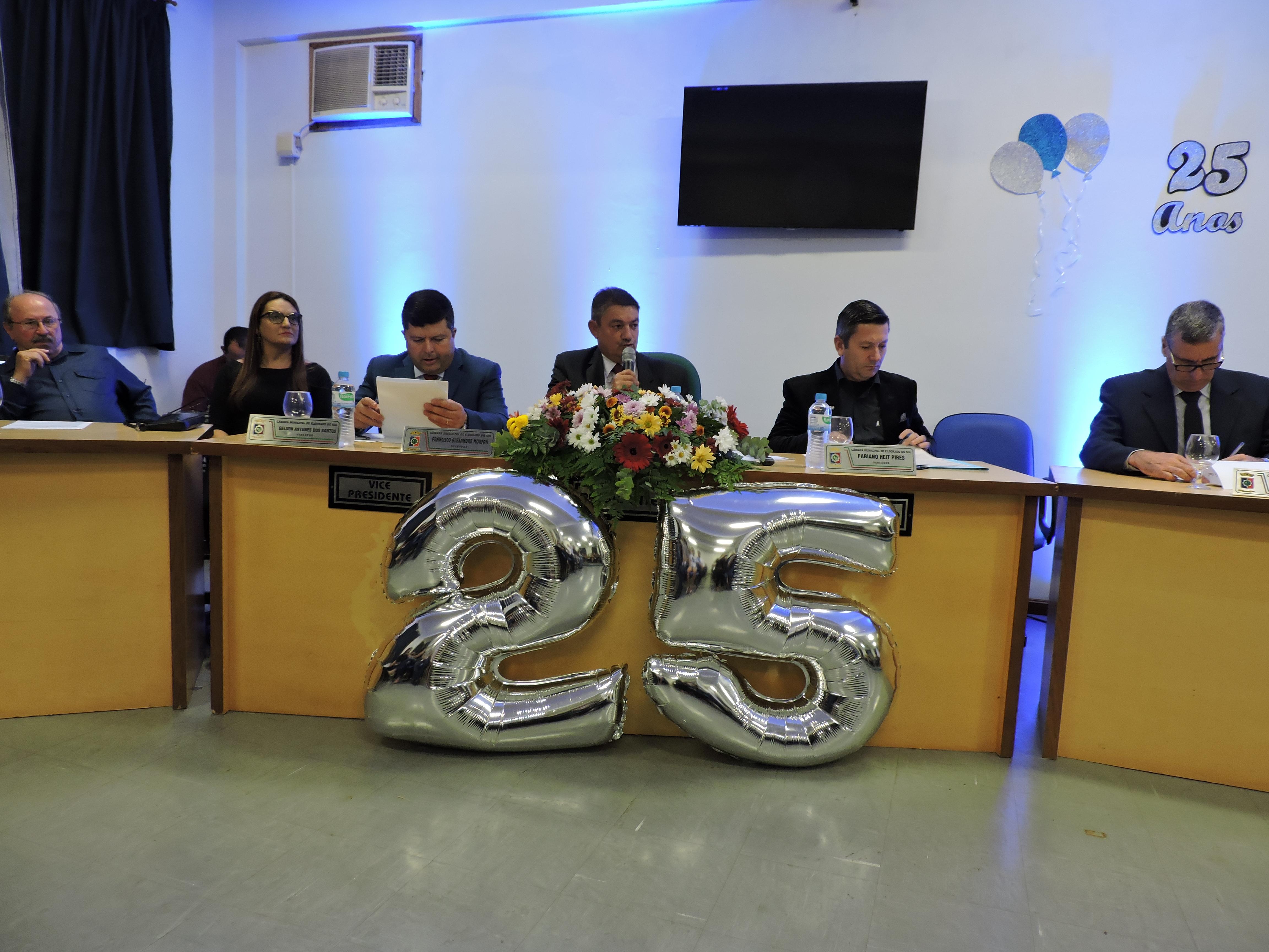 Sessão solene em comemoração ao aniversário de 25 anos da Escola de Ensino Médio Eldorado do Sul