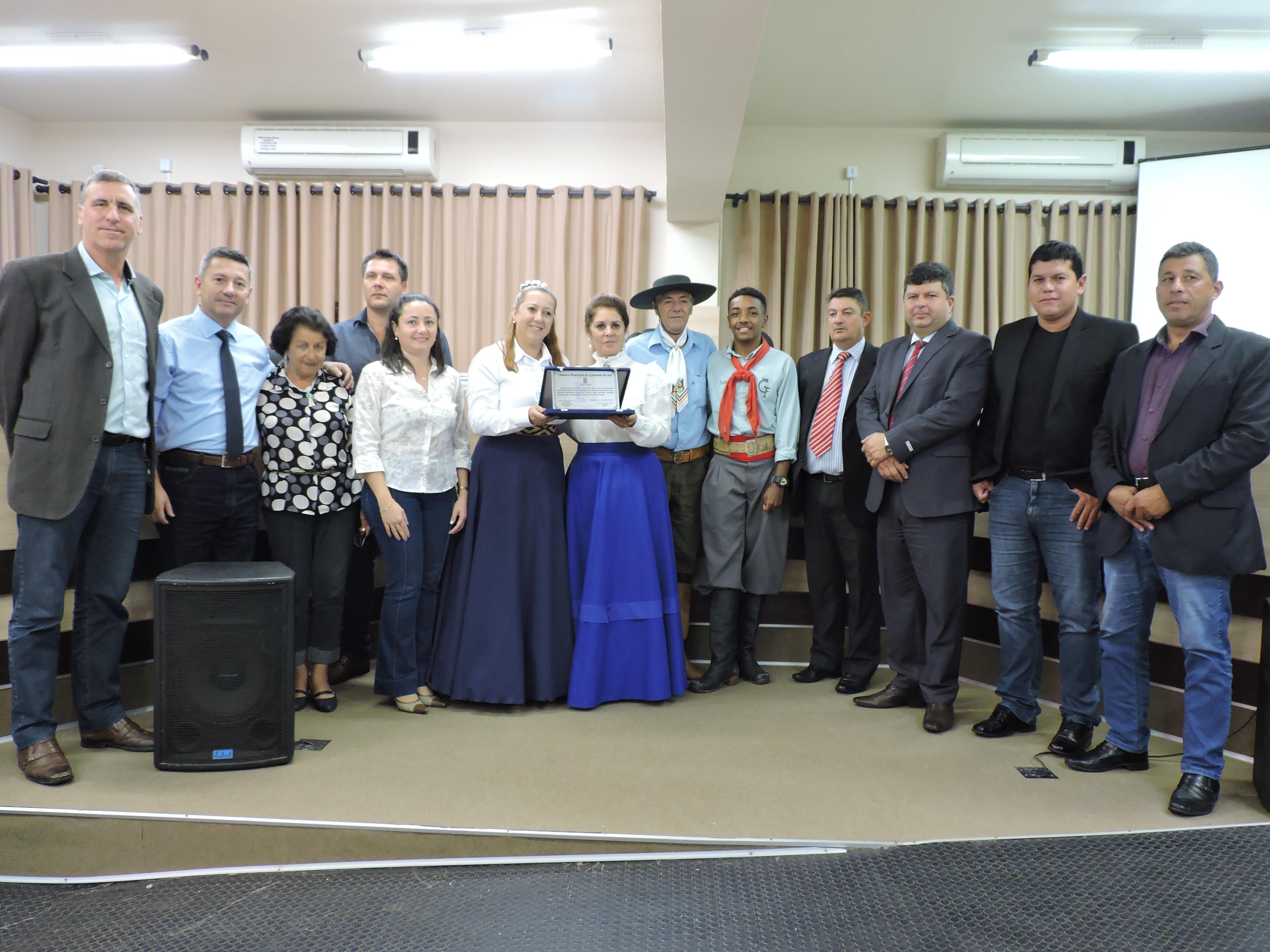Câmara faz entrega de Moção Honrosa ao jovem Chuleador do município