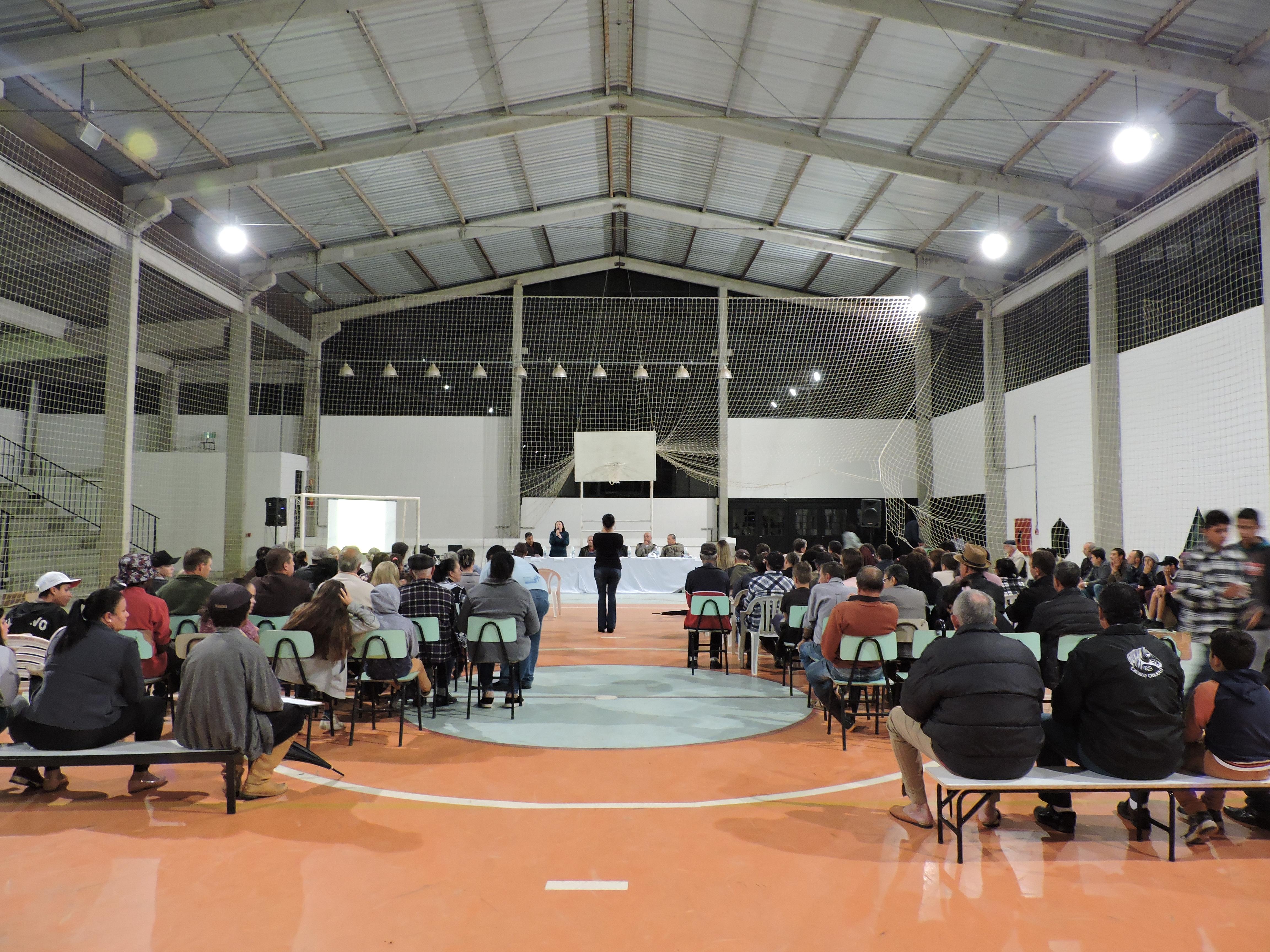 Estiveram presentes na Audiência aproximadamente 140 pessoas