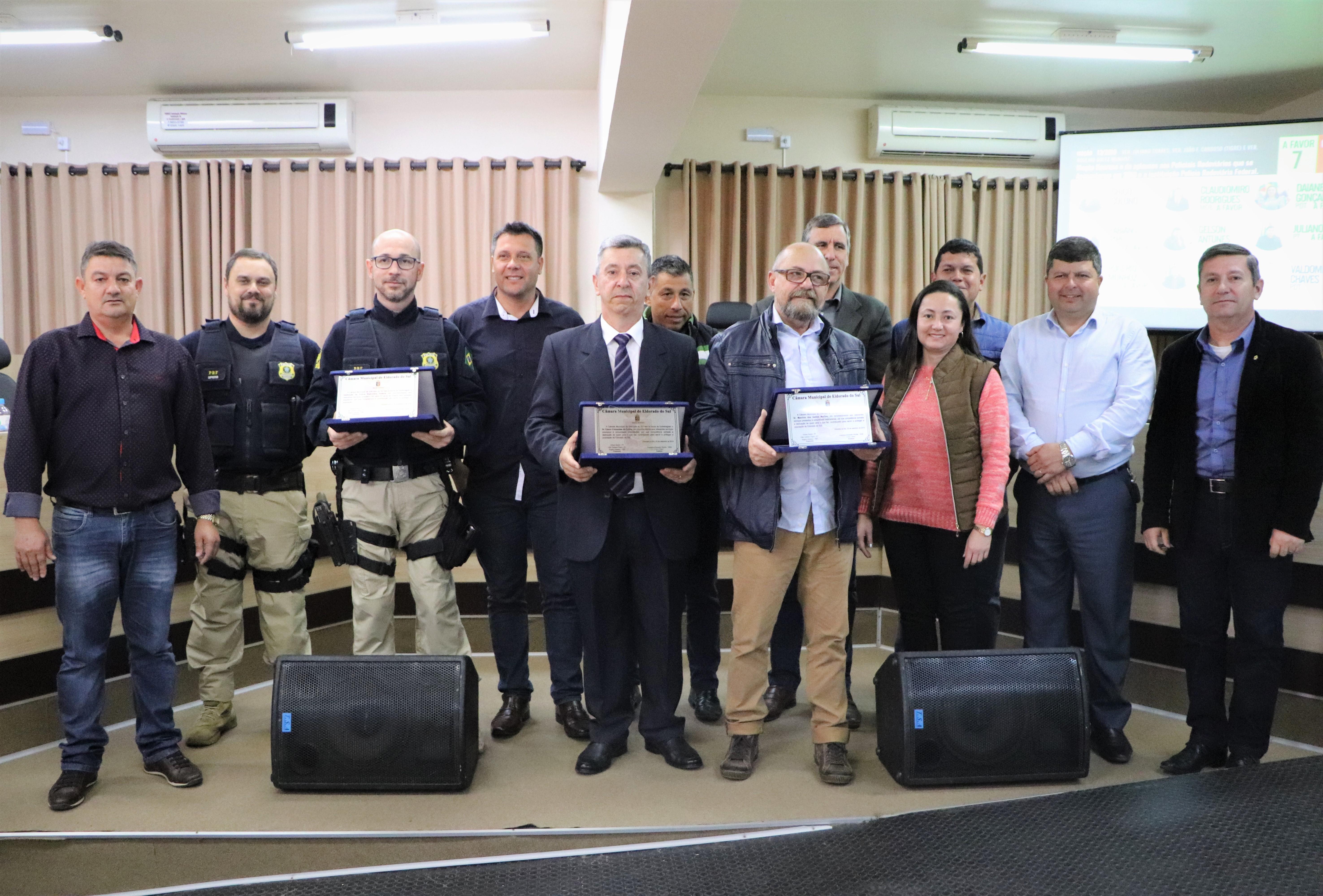Câmara entrega Moção Honrosa à instituição Policia Rodoviária Federal