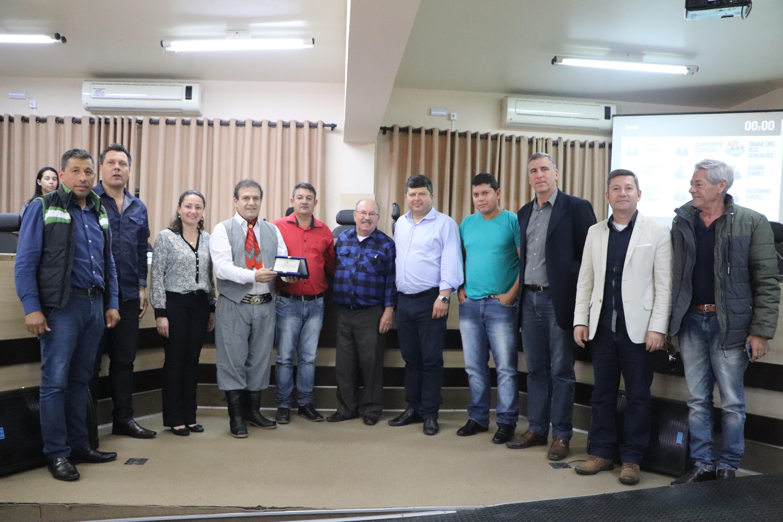 Legislativo realiza um Ato de Louvou em homenagem ao Deputado Federal Pompeo de Mattos