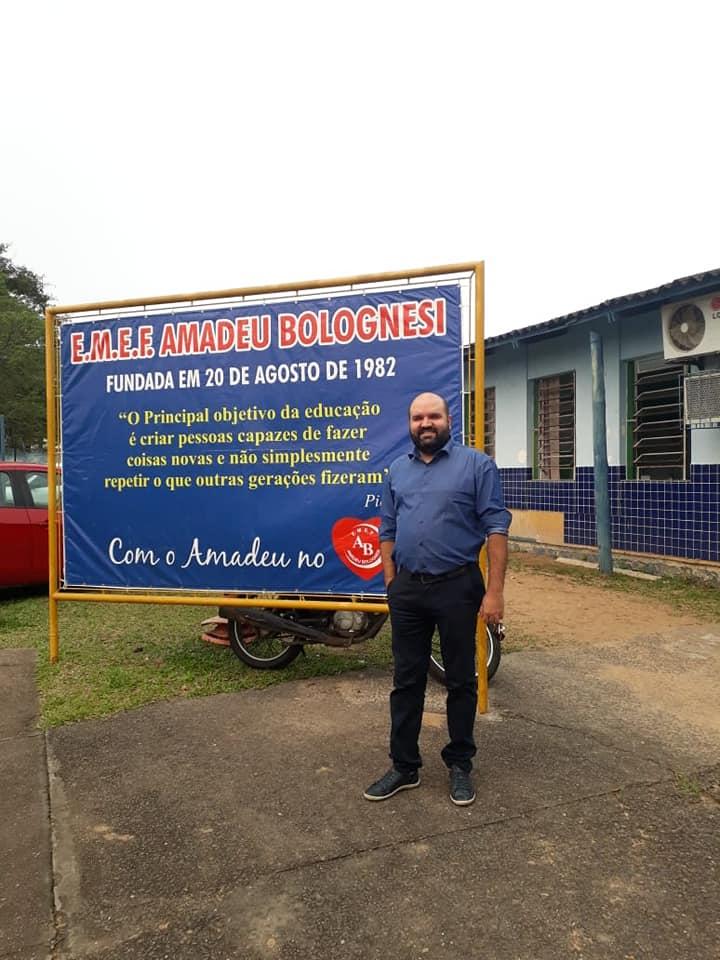 Vereador Miguel Crizel Visita Escola Amadeu Bolognesi