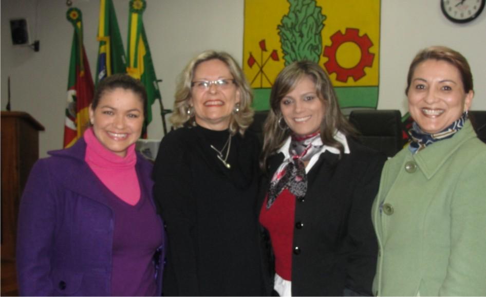 Legislativo presta homenagem à AD Costa Doce