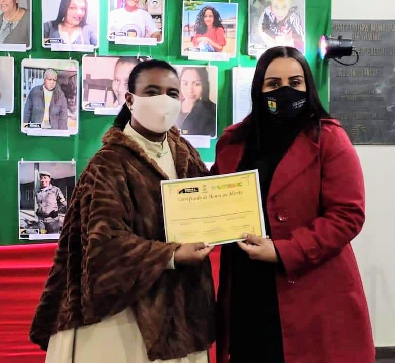 Vereadora Letícia Maidana recebe homenagem na Prefeitura