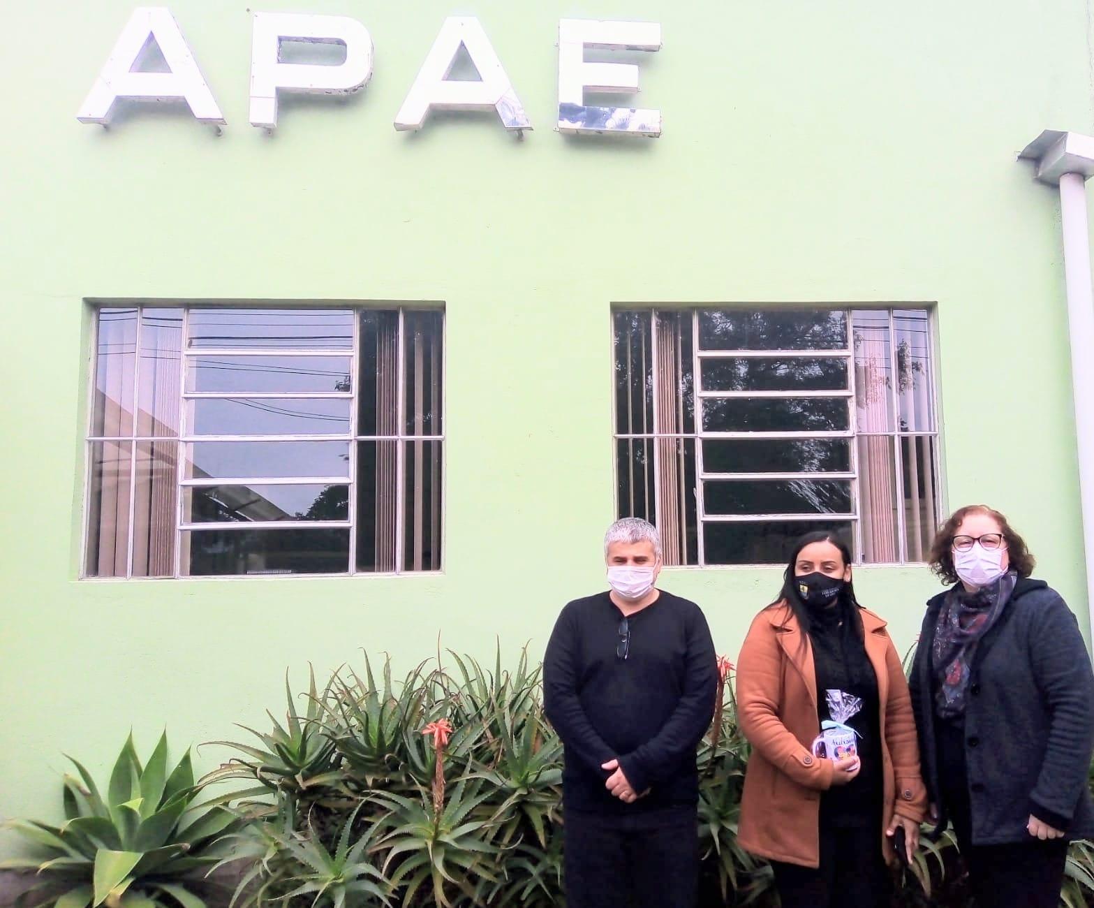 Vereadora Letícia Maidana visita APAE Guaíba