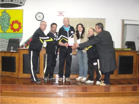 Legislativo guaibense presta homenagem ao Esporte Clube Parque 35