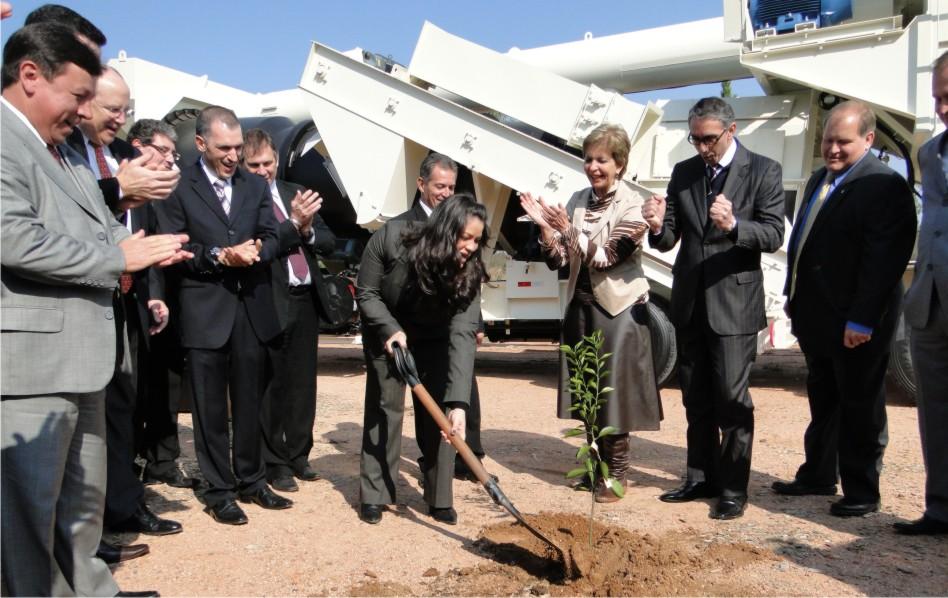 Presidenta do Legislativo participa do início das obras da Terex