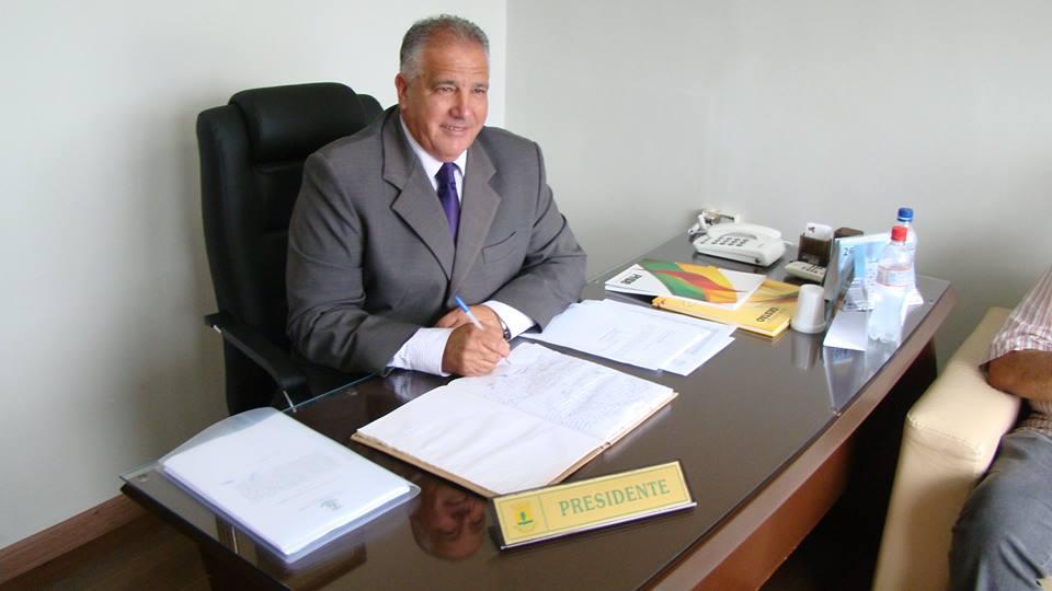 Ernani Chacrinha (PMDB) assume a Presidência da Câmara