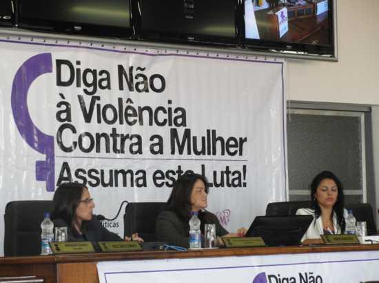 Federação das Mulheres Gaúchas realiza Seminário na Câmara Municipal