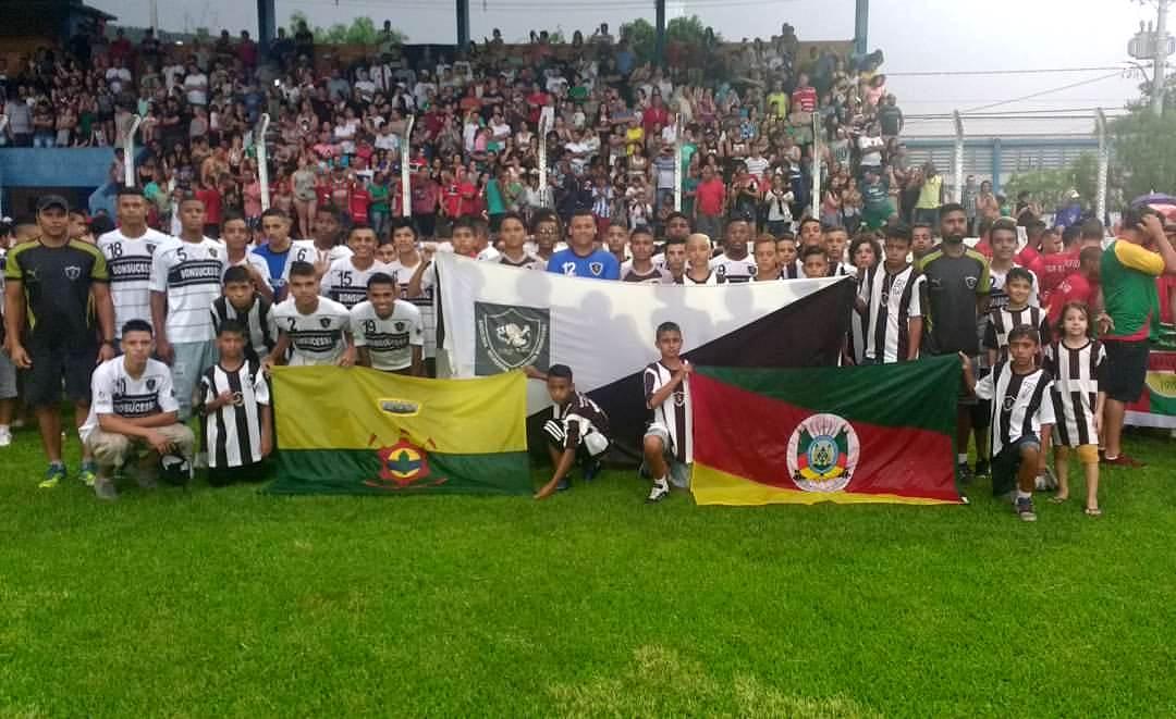 Equipes de futebol do Bonsucesso, acompanhadas pelo Vereador Juliano Ferreira, participam da 12ª Copa Internacional Cidade Verde em Três Coroas