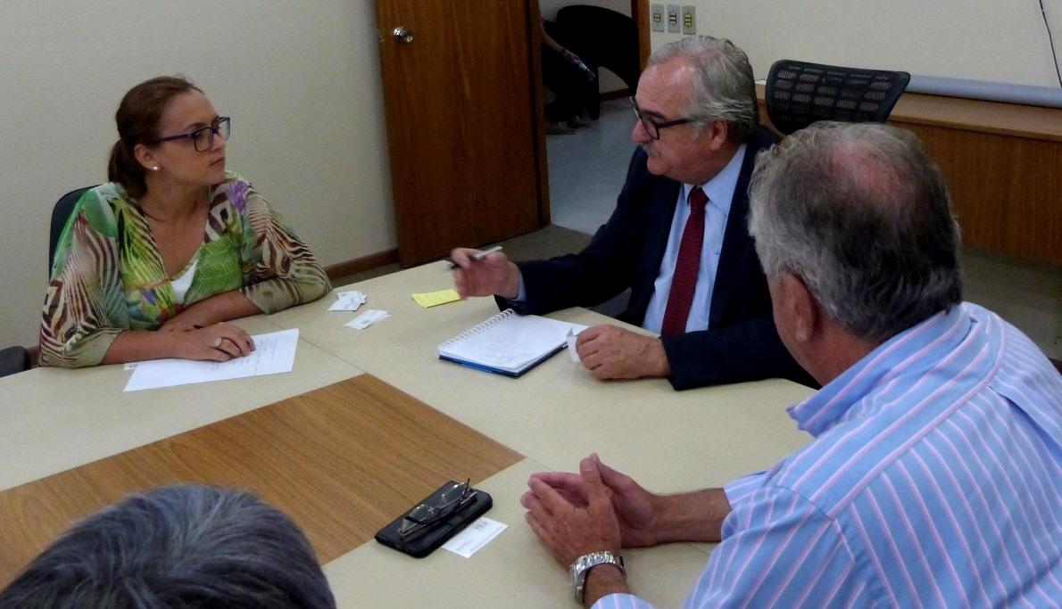 Executivo e Legislativo lutam por melhorias na Estrada do Conde