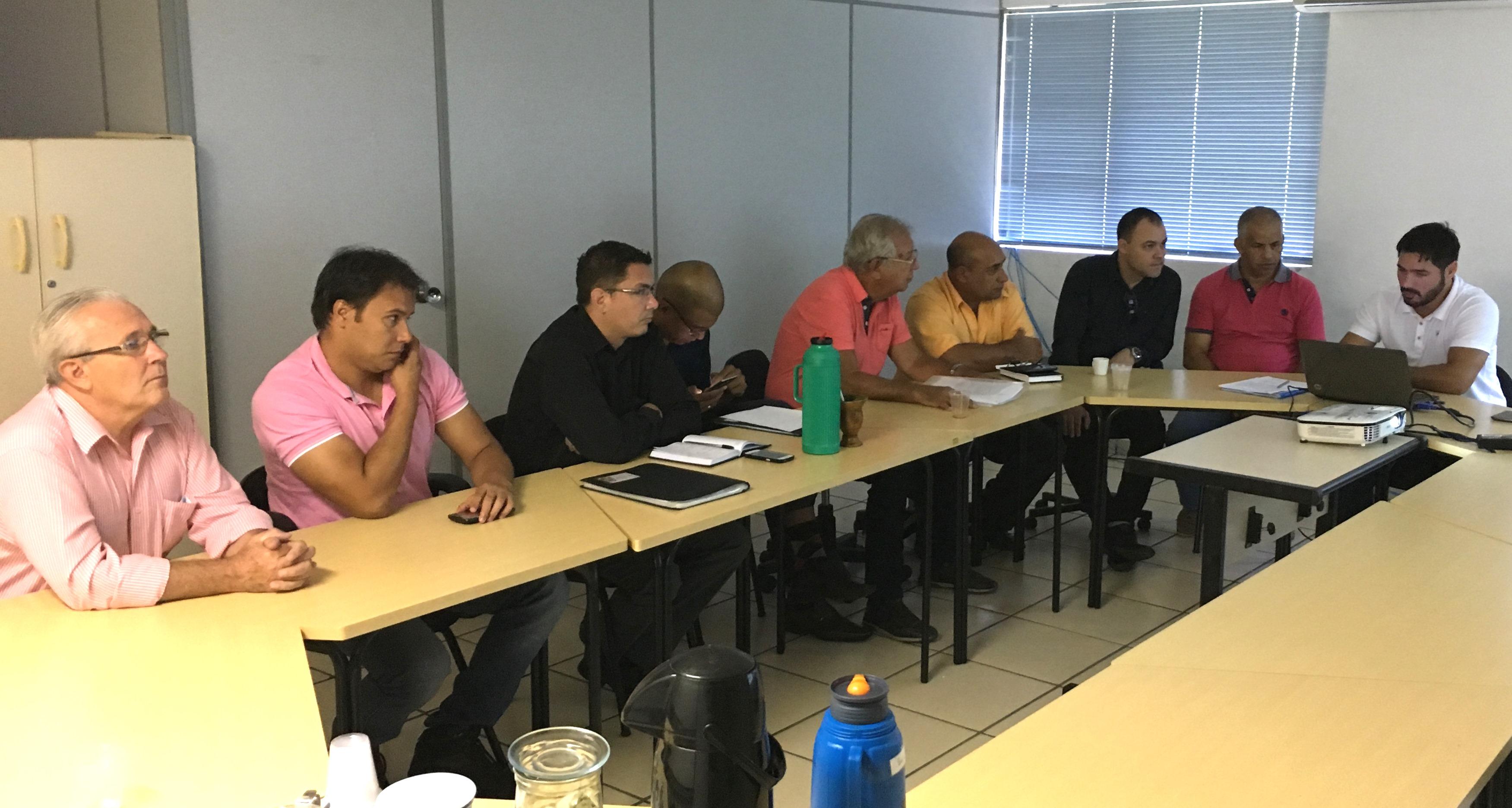 Secretário de Governo e Vereadores realizam encontro de trabalho
