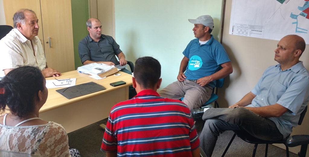 Vereador Ale Alves promove reunião com secretários de Saúde e de Meio Ambiente para tratar sobre os animais de rua