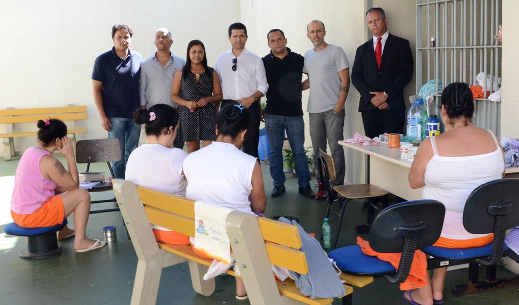 Vereadores acompanham Deputados Estaduais em visita à Penitenciária Feminina de Guaíba