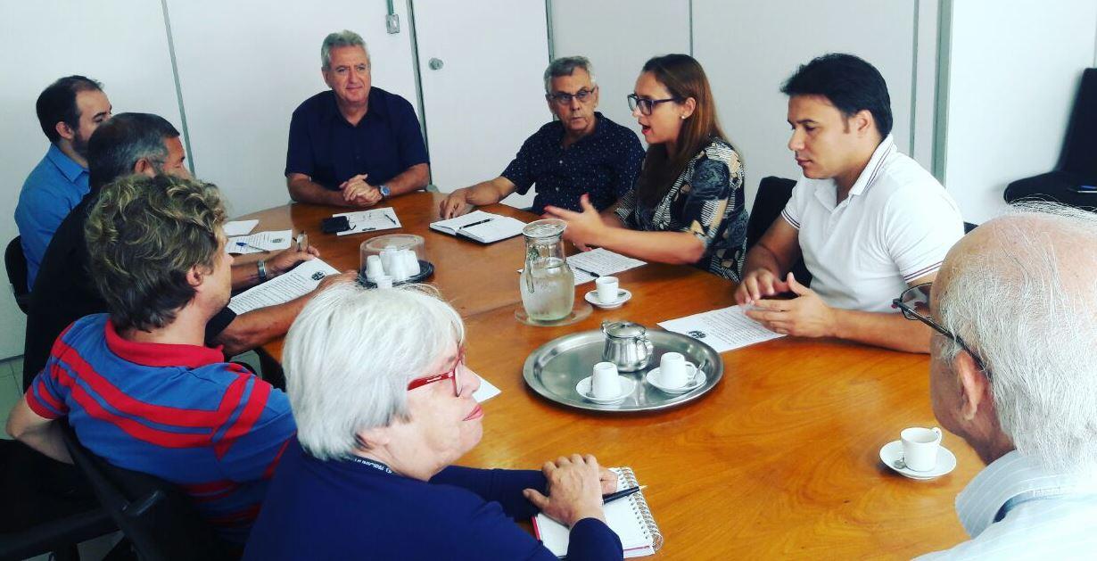 Frente Parlamentar do Idoso acompanha reunião do Conselho Municipal na Prefeitura