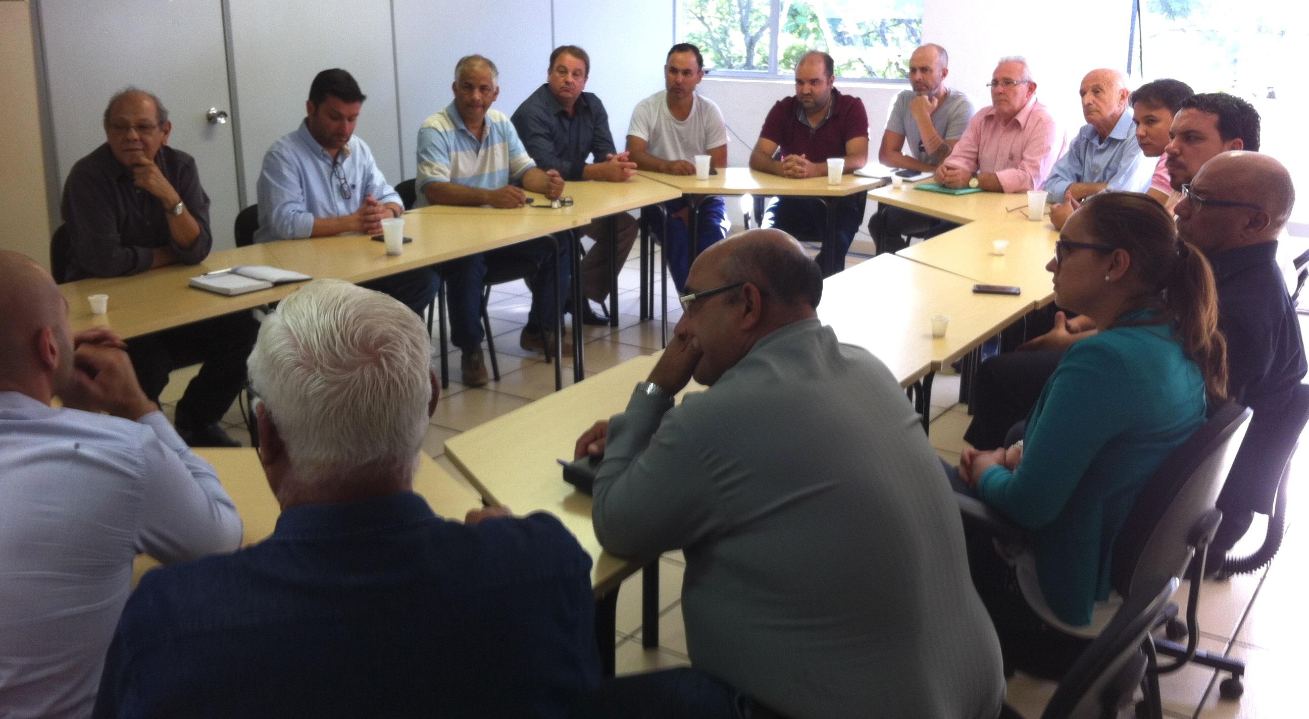 Vereadores reúnem-se com Executivo Municipal e Diretoria da APAE