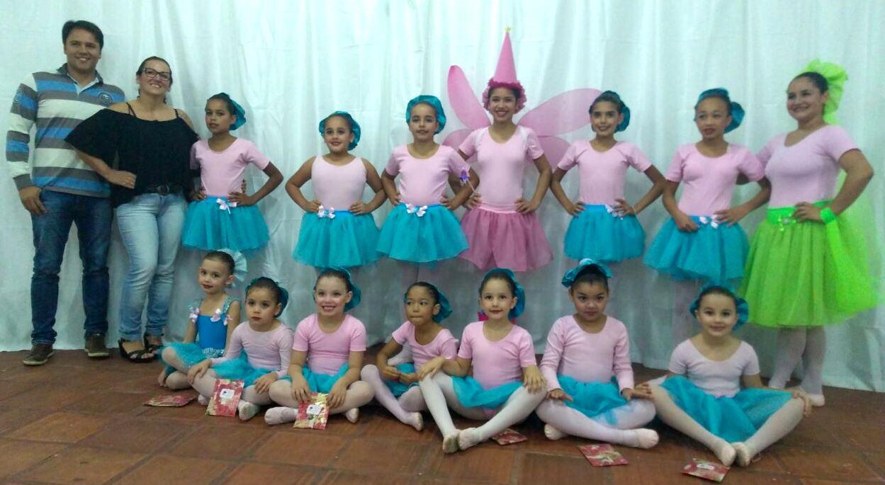 Vereador Juliano Ferreira prestigia projeto de Ballet na Cohab