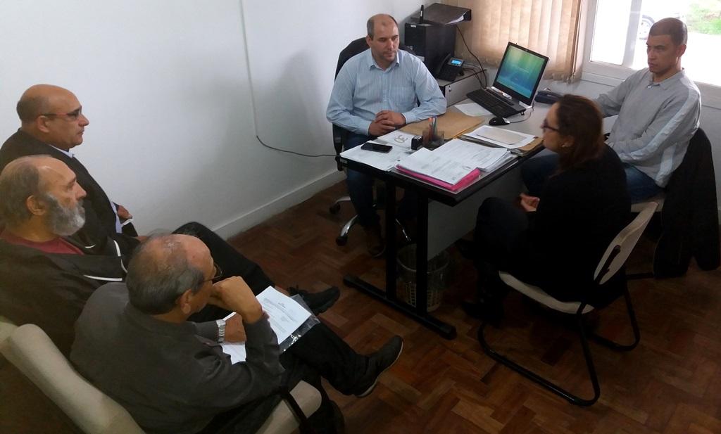 Comissão Especial da APAE e Secretaria Municipal de Saúde buscam solução financeira para a entidade