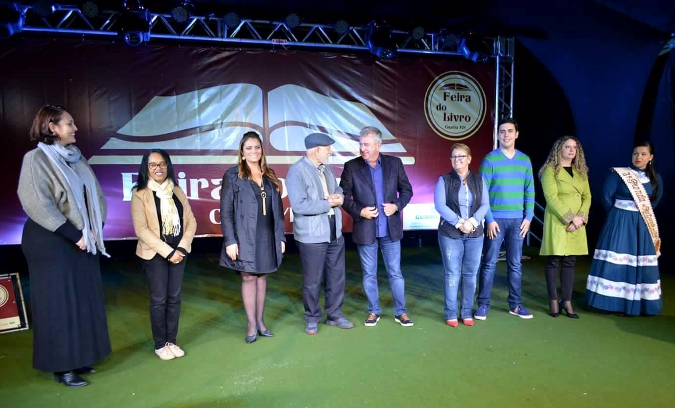 Presidente da Câmara de Vereadores participa da abertura oficial da Feira do Livro de Guaíba