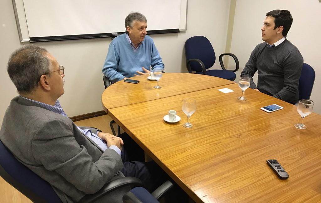 Presidente da Câmara reúne-se com Diretor-Presidente da CMPC