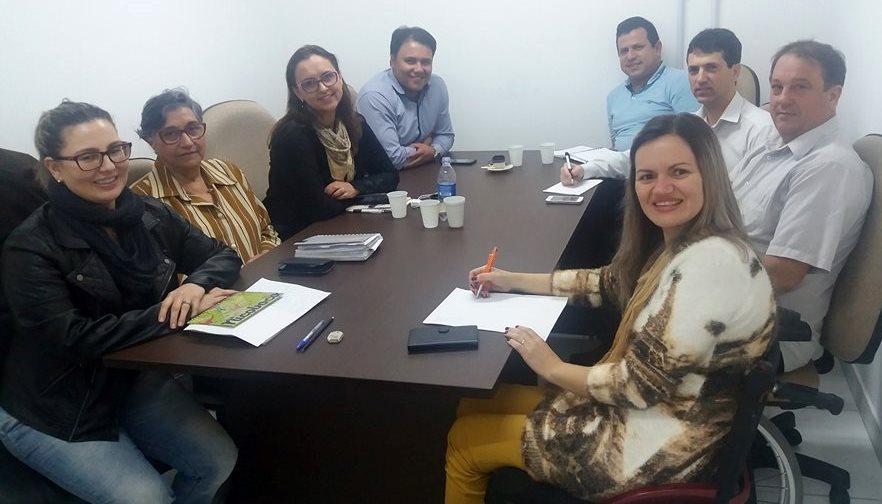 Frente Parlamentar em Defesa da Pessoa com Deficiência realiza reunião de trabalho