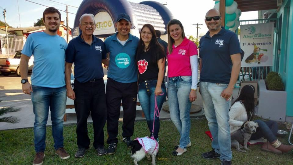 Vereador Ale Alves reúne-se com amigos da causa animal