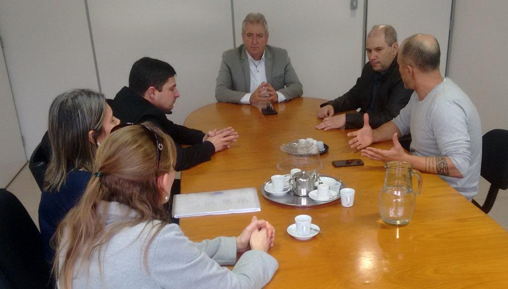 Vereador Everton da Academia realiza reunião com a clínica nefrológica de Guaiba e o Executivo Municipal