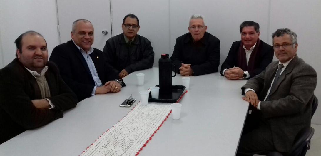 Vereador Miguel visita Secretaria da Saúde de Gravataí