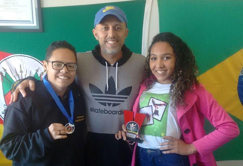 Vereador Everton da Academia recepciona bailarinos premiados em Pelotas