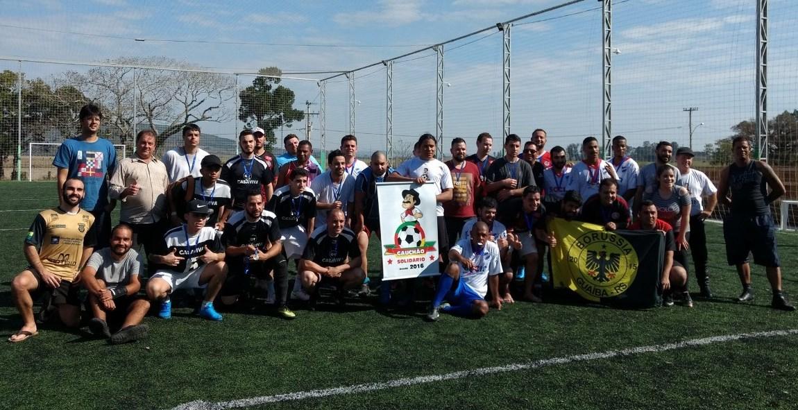 Vereador Nelson do Mercado prestigia torneio de futebol beneficente