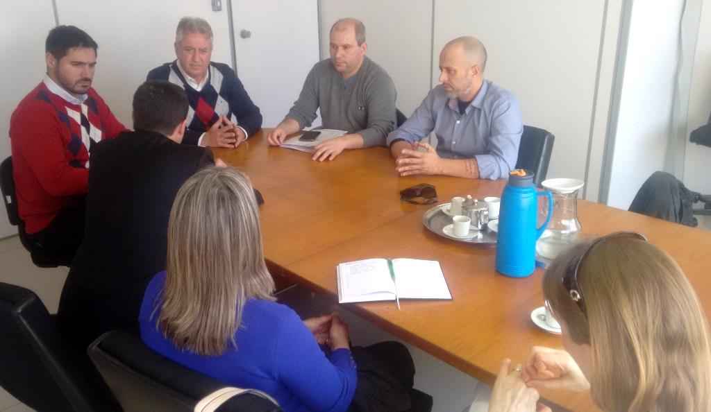 Vereador Everton da Academia reúne-se com Executivo Municipal e representantes da Clínica Nefrológica de Guaíba