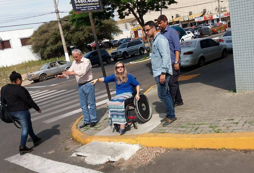 Vereadora Fernanda Garcia solicita ao Executivo Municipal rebaixamento das calçadas para acessibilidade