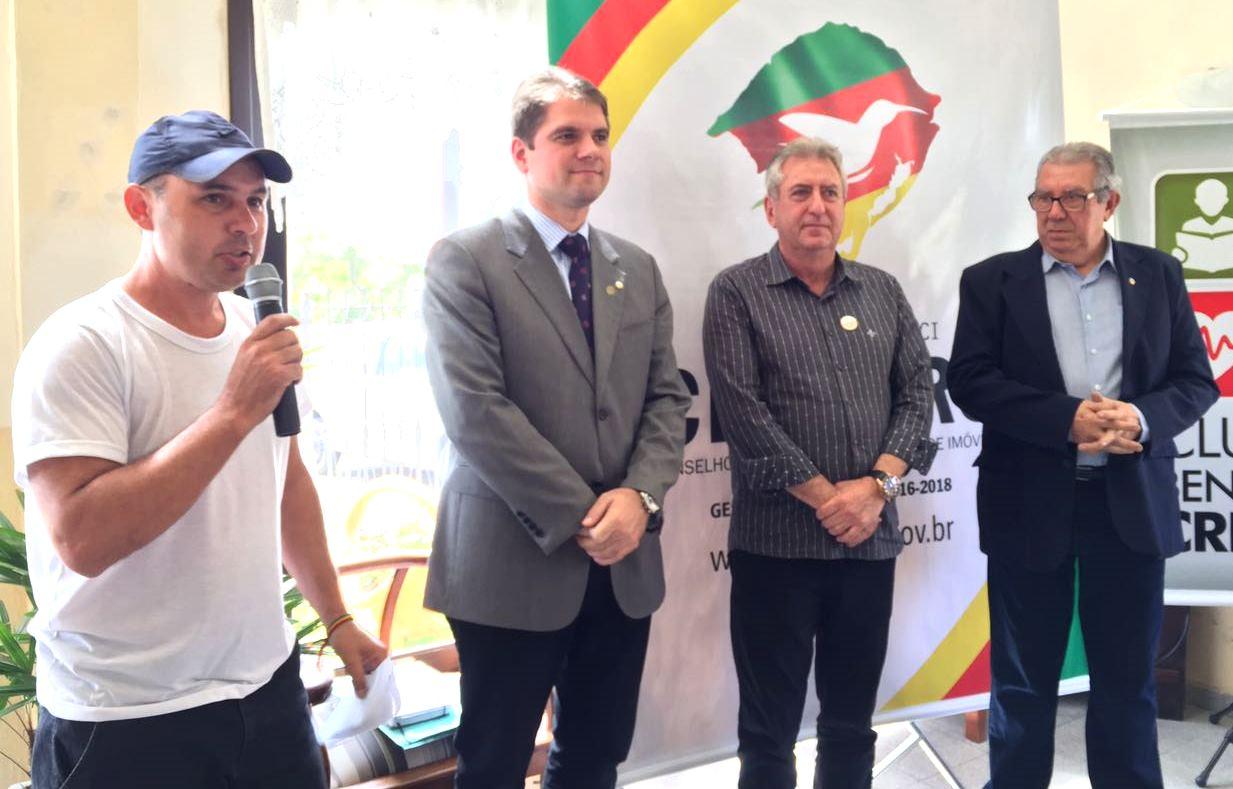 Vereador Ale Alves participa do almoço em homenagem ao Dia do Corretor de Imóveis