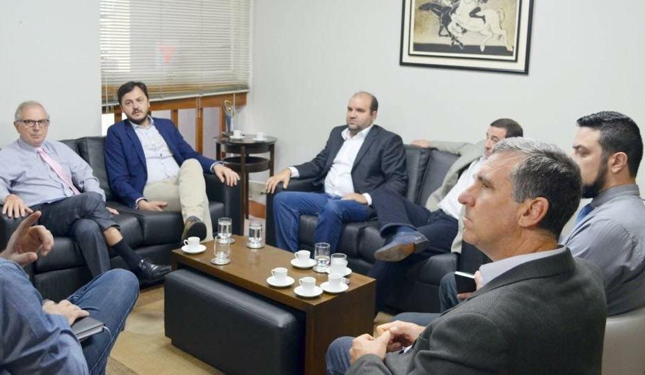 Vereador Miguel Crizel participa de reunião com Presidente da AGERGS
