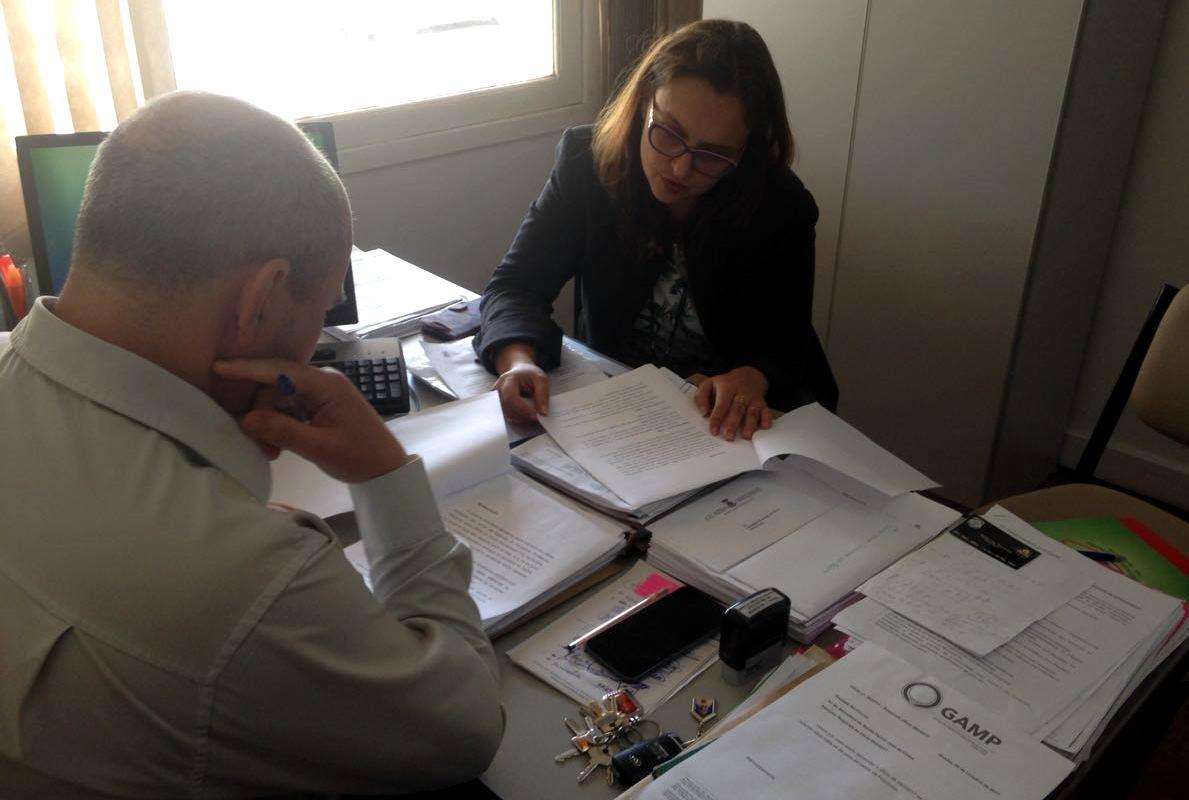 Professora Claudinha Jardim entrega relatório de fiscalização no Pronto Atendimento ao Secretário de Saúde