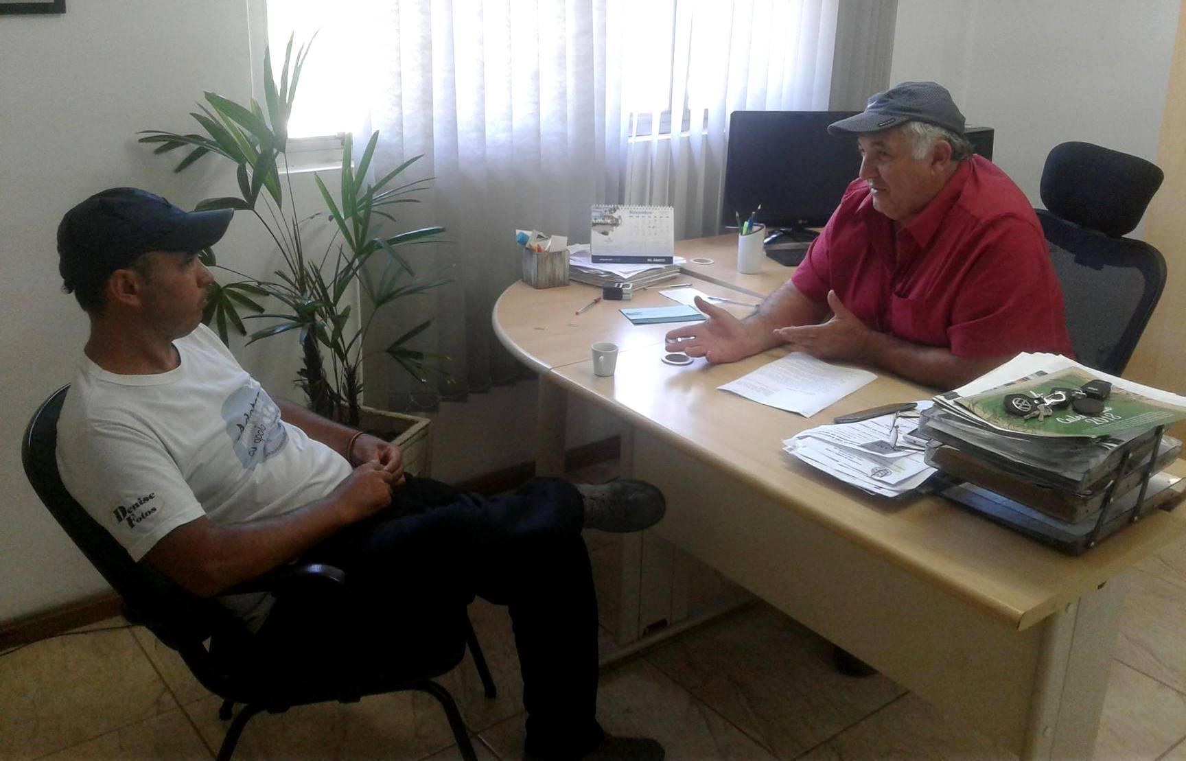 Vereador Ale Alves apresenta projeto ao Secretário Municipal de Meio Ambiente